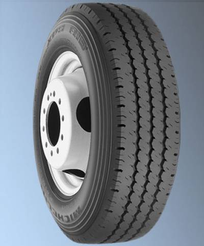 Image of a 115/112Q LRE XPS RIB BSW tire, which can be found at Active Green + Ross in Toronto, ON